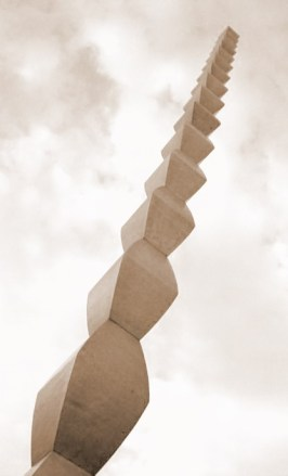 Endless_column_brancusi_4